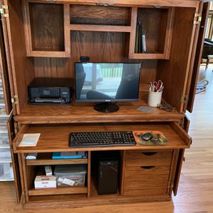 Computer Hutch for Sale in St. Helens, OR