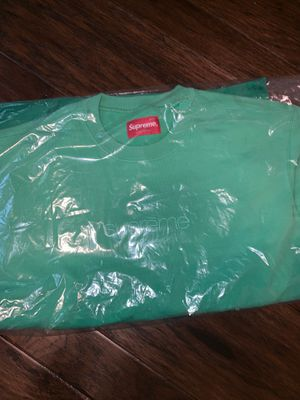 Green supreme crewneck size small DS for Sale in Irving, TX