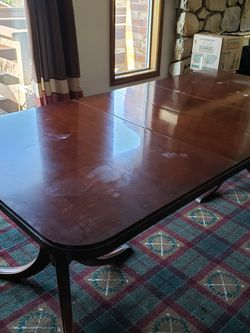 Duncan Phyfe dining table with 3 Leaves. $500 OBO for Sale in Gresham,  OR