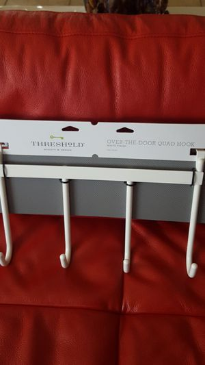 Threshold over the door quad hook closet organizer for Sale in Lawndale, CA