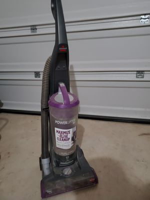 Vacuum - Bissell powerlifter pet rewind bagless for Sale in San Antonio, TX