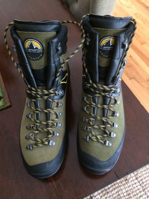 LaSportiva boots Kavakorum hiking, trekking boots new! for Sale in Oak Brook, IL