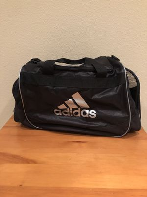 Adidas duffle bag for Sale in Portland, OR