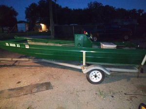 16ft aluminum boat with center console for Sale in Houston, TX