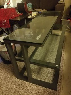 🔥🔥Crate And Barrel Brand!! Glass coffee table. Paid $500!! Only asking $100!!🔥🔥 for Sale in Moline,  IL