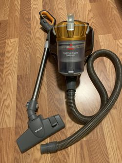 Bissell Hard Floor Expert Vacuum for Sale in Hawthorne,  CA