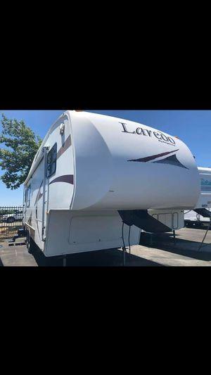 2007 laredo 5th wheel for Sale in Hayward, CA