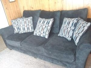 Matching couch and loveseat set for Sale in Griggsville, IL