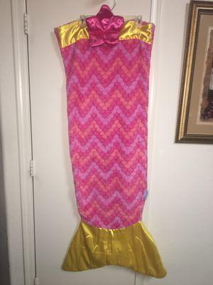 Snuggie pink & yellow mermaid tail blanket for Sale in El Mirage, AZ