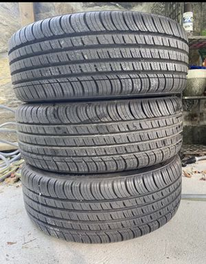 Kumho Solus 205/50 R17 93V tires for Sale in New Fairfield, CT