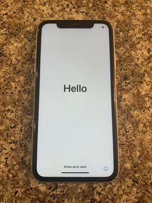 iPhone XR UNLOCKED for Sale in Beaverton, OR