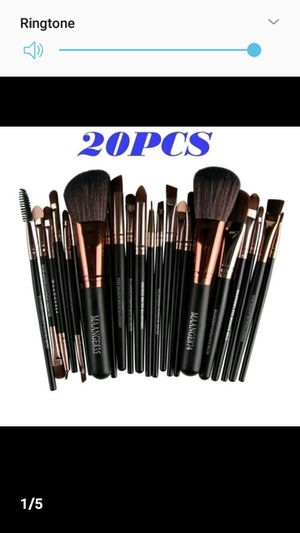Makeup brushes 20 for Sale in North Chesterfield, VA