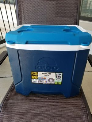 IGLOO 16 Quart Blue Profile Cooler for Sale in Irving, TX
