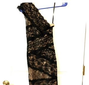 Bebe lace little back dress - wore twice for Sale in Orlando, FL