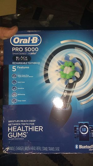 Oral-B pro 5000 toothbrush for Sale in Saint Paul, MN