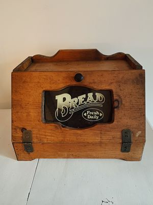 Vintage Bread Box for Sale in Glen Ellyn, IL