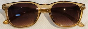 Women's Pale Orange Fashion Sunglasses for Sale in The Bronx, NY