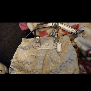 Larger Size Coach Purse for Sale in Renton, WA