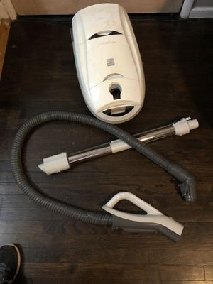 Kenmore progressive Vacuum for Sale in Los Angeles, CA