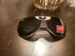 Vendo glasses Ray Ban New nuevos $75 for Sale in CRYSTAL CITY, CA
