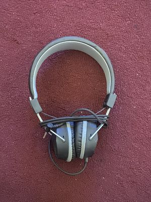 Headphones in good condition for Sale in Kingsburg, CA