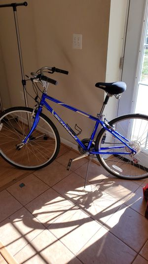 Hybrid bike for Sale in Sterling, VA