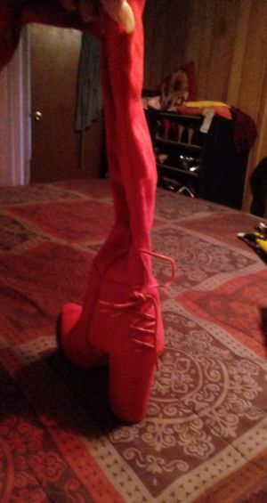 Thigh-high red suede boots size 9 for Sale in St. Louis, MO