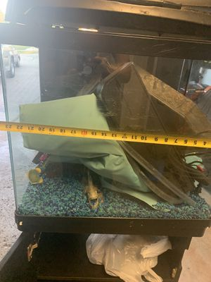 Saltwater fish tank for Sale in Palos Hills, IL
