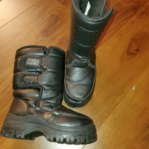 Snow Boots Kids 13 for Sale in Las Vegas, NV