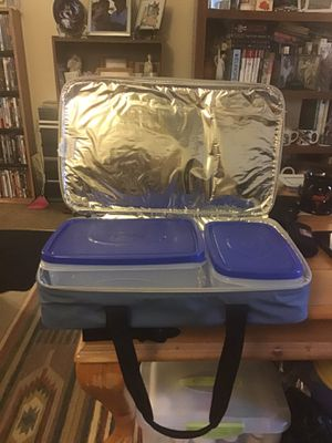 INSULATED FOOD STORAGE WITH CONTAINERS VERY CLEAN $15.00 for Sale in Phoenix, AZ