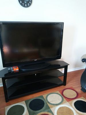Black,Glass&Metal 2shelf for Tv-GREAT CONDITION for Sale in Kissimmee, FL