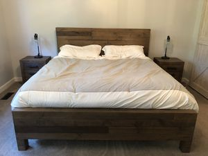 5-Piece Modern Farmhouse King Bedroom Set for Sale in New Albany, OH