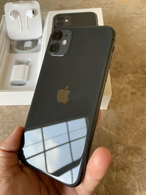 iPhone 11 black for TMobile, metro and sprint 64gb for Sale in Rosemead, CA
