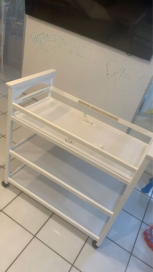 Graco Lauren Changing table for Sale in Pompano Beach, FL