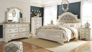 SPECIAL] Realnnyn Chipped White Panel Bedroom Set for Sale in Arlington, VA