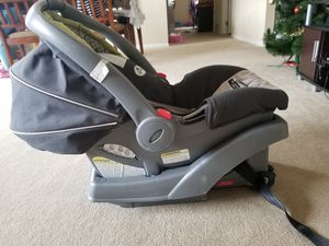 Infant car seat with base for Sale in Rensselaer, NY