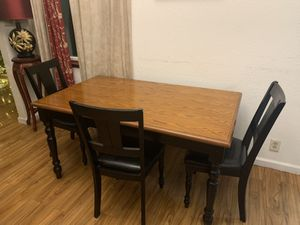 Dining table (comedor) 4 chairs for Sale in Fremont, CA