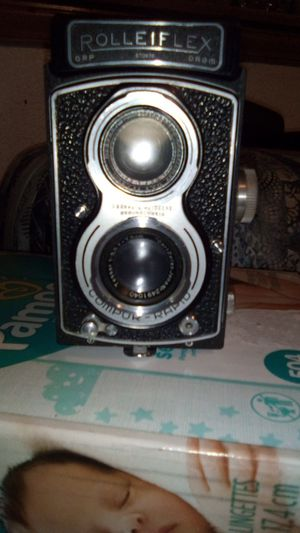 Like new rolleiflex 7.5cm camera for Sale in Tacoma, WA