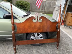 Full size vintage poster bed for Sale in Puyallup, WA