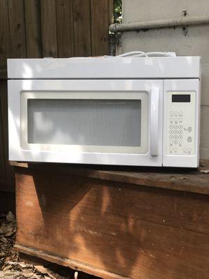 Range hood microwave $20 for Sale in Tampa, FL