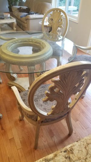 Round table 6 chairs for Sale in Windsor, ON
