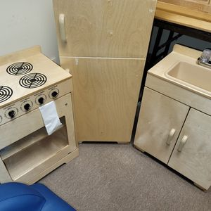 New Lakeshore Kitchen Stove, Refrigerator And Sink for Sale in Portsmouth, VA