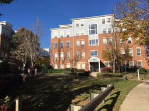 Gorgeous one bedroom apartment in Bethesda, MD for Sale in Westlake, MD