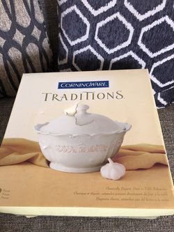 CorningWare Traditions Stoneware. Please see all the pictures and read the description for Sale in Bailey's Crossroads,  VA