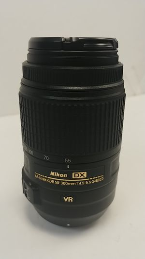 Nikon lens dx af-s nikkor 55-300 for Sale in Port St. Lucie, FL