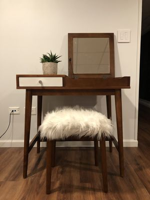 Mid century modern style makeup vanity desk for Sale in Plainfield, IL