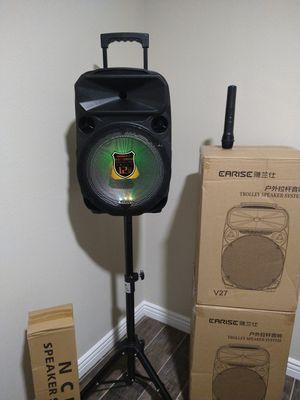 HALLOWEEN 🎃 PARTY KAREOKE WIRELESS MICROPHONE 🎤 SPEAKER $120. NEW IN BOX for Sale in Rialto, CA