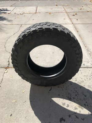 Toyo mt 33/12.50r18 for Sale in Bend, OR