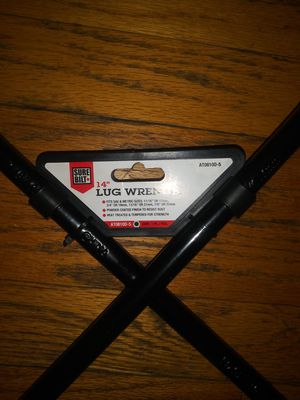 14 inch lug wrench for Sale in Redford Charter Township, MI