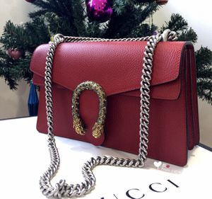 Gg leather bag with heavy chain details for Sale in Los Angeles, CA